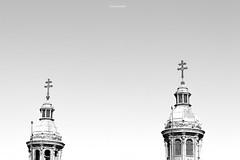 Catedral Santiago Chile (Basilio Robledo) Tags: basiliorobledo chile santiago canon eos t2i 550d canoneosrebelt2i eosrebelt2i bw bn blackwhite blackwhitephotos photography photo landscapes cityscape city ef1855mm
