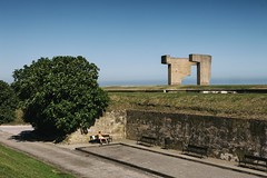 -Xixn- (Carles Cerulla) Tags: xixn asturias gijn cerro catalina verde sol silueta persona