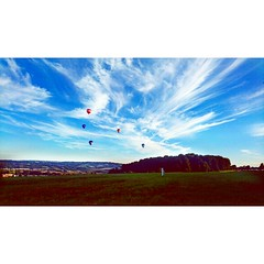 Balloon Fiesta 2016. Bristol, Somerset.  August 2016 (RBoddington) Tags: balloons hotairballoons flight sky clouds view landscape bristol ashtoncourt somerset city