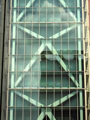 Treppenhaus (eckbert.sachse) Tags: hamburg freeandhansatownofhamburg freieundhansestadthamburg altona pattern muster architektur architecture stairway treppe gebrder wolf platz