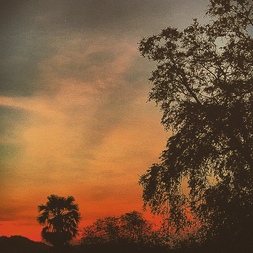 sunset in Hua Hin Thailand #sunset #huahin #thailand #travel #traveller #travelphotography #color #colorful #photography #photographer #instacool #instagood #instalike #instatravel