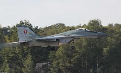 Slovak Air Force MiG-29AS 6425 at Kleine-Brogel, Belgian Air Force Days 2014 (Jeroen.B) Tags: show flickr force belgium belgie air days belgian 29 mig kleine slovak 2014 mig29 republiky brogel belgische sily mikoyangurevich 6425 luchtmachtdagen kleinebrogel slovenskej mig29as ebbl sl vzdun ozbrojench 29as kleinebrogel2014 29605360644905