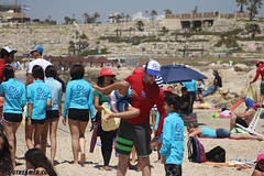IMG_8778 (Streamer -  ) Tags: ocean sea people green beach nature students ecology up israel movement garbage sunday north group young cleanup clean teen shore bags  nonprofit streamer  initiative enviornment    ashkelon          ashqelon   volonteers      hofit