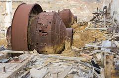 Ruinas de la actividad minera en La Unin  //  Ruins mining in La Union (Miguel Lpez Soler - E.) Tags: detalles oxido ruinas abandonado metal details rust ruins abandoned miguellpezsolere launin espaa spain