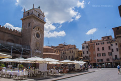 01 (kamalgulzar) Tags: mantova italia mantua italy streetphotography
