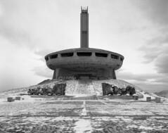 (Guillaume L.) Tags: fomapan 4x5 chambre urbex decay travel bulgaria