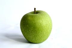 Green Apple (Atila Yumusakkaya) Tags: greenapple apple fruit yumusakkaya apfel alma   pomme   elma pommeverte  viridipupillam