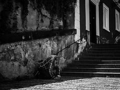 (SchillingD) Tags: light shadow black color people prag praha city indoor gf7 panasonic lumix 20mm 17 street streetart streetphotography streetfoto streetfotografie streetphotografie streetlife streetshot streetphoto streetfotography stadt urban einfarbig