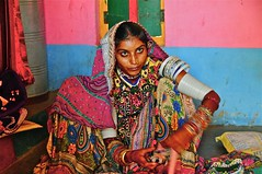 India-Gujarat-rann of kutch (venturidonatella) Tags: india asia gujarat kutch rannofkutch portrait ritratto donne donna woman sguardo occhi eyes look colori colors emozioni persone gentes