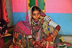 India-Gujarat-rann of kutch (venturidonatella) Tags: india asia gujarat kutch rannofkutch portrait ritratto donne donna woman sguardo occhi eyes look colori colors emozioni persone gentes