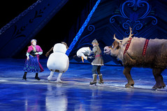 Anna, Kristoff, Olaf & Sven - Disney On Ice Frozen (DDB Photography) Tags: show anna ice goofy mouse photography olaf frozen duck photographer hans feld disney mickey skate figure mickeymouse characters minnie minniemouse sven donaldduck elsa ddb waltdisney iceshow kristoff disneyonice disneycharacters figureskate disneypictures disneyphoto feldentertainment ddbphotography elsathesnowqueen disneyonicefrozen