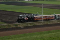 Dampfzug Whisky - Train mit SBB  Dampflokomotive Eb 3/5 Nr. 5810 Habersack ( SLM Nr. 2211 - Baujahr 1911 - Heute VDBB Verein Dampfbahn Bern - Dampflok ) unterwegs im grossen Moos bei Kerzers im Kanton Freiburg der Schweiz (chrchr_75) Tags: chriguhurnibluemailch christoph hurni schweiz suisse switzerland svizzera suissa swiss chrchr chrchr75 chrigu chriguhurni hurni150418 eisenbahn bahn train treno zug schweizer bahnen dampflok dampflokomotive sbb habersack whisky kerzers kantonfreiburg kantonfribourg april 2015 albumzzz201504april albumbahnenderschweiz albumbahnenderschweiz201516 dampfmaschine locomotora vapor  vapeur steam vapore  stoomlocomotief albumdampflokomotiveninderschweiz juna zoug trainen tog tren  lokomotive lok lokomotiv locomotief locomotiva locomotive railway rautatie chemin de fer ferrovia  spoorweg  centralstation ferroviaria albumbahndampfbahnberndbb dampfbahn bern dbb