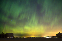 City, lake and Northern lights (jasu_2009) Tags: city night canon eos astro lahti northernlights 1100d