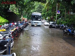 Parking both side of the road (joegoauk73) Tags: marriott goa panaji joegoauk