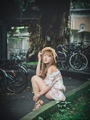 jaylin-0030 ( Jaylin) Tags: school portrait girl hat rain studio outside glasses model women university longhair taiwan straw olympus oldhouse dresses taipei mirco turf omd   jaylin m43   40150mm mzd  jelin      linjay