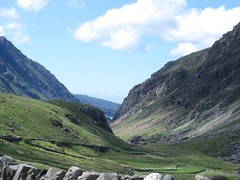 2571 Pass of Llanberis (Andy panomaniacanonymous) Tags: 20160718 cymru eee eryri landscape passofllanberis passengerobservation photostream ppp snowdonia sss