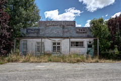 Tearooms; A fisherman's rest?  Parawa, New Zealand (brian nz) Tags: old newzealand abandoned shop rural decay nz southland dilapidated tearooms ruis parawa fishermansrest ensuiteembassiespuppets