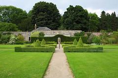 Castle Fraser walled garden (tommyajohansson) Tags: greatbritain castle geotagged scotland aberdeenshire unitedkingdom weekendbreak nts citybreak castlefraser nationaltrustscotland tommyajohansson