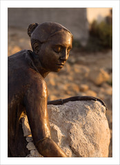 Rock Statue (Manthos) Tags: paphos katopaphosharbour katopaphoscastlesquare statue yiotaioannidou cyprus earlymorninglight