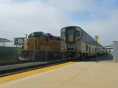 Amtrak meets UP (vcrailfan1999) Tags: up train trains amtrak unionpacific local camarillo railfan pacificsurfliner uprr railfanning gp402 gp40 6952 1374 cabcar amtraksurfliner localfreight unionpacificgp40 lof63 santabarbarasub oxnardlocal up1374 amtrak6952