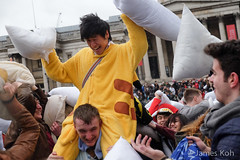 sJKWB0361 ([wj]) Tags: world london square fight day trafalgar pillow international 150404