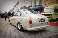 Volkswagen Fastback 1970 (Pierre Monneret) Tags: white vw volkswagen de nose pig fast nez cochon dropped slammed fastback