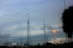 """Dragon Pad Abort Test • <a style=""""font-size:0.8em;"""" href=""""http://www.flickr.com/photos/12150483@N04/17221850329/"""" target=""""_blank"""">View on Flickr</a>"""