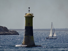 Lighthouse @ Marseille (Hlne_D) Tags: hlned france provencealpesctedazur provence paca bouchesdurhne marseille vieuxport mermditerrane mediterraneansea mditerrane mer sea phare lighthouse voilier bateau sailingboat boat tourelleducanoubier
