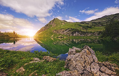 ... (Benny / 2B-OptiK) Tags: landscape landmark see seealpsee oberstdorf lake sun sunlight mountains nebelhorn wandern stone green hdr clouds bavaria germany landschaften