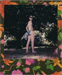L. (Martin PEREZ 68) Tags: woman pool polaroid piscina bikini instant piscine impossible instantan 635cl exipired polaroid635cl instantfilmcolor impossibleproject