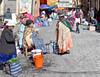 Cholitas en La Paz (atapress) Tags: la paz bolivia mercado mujeres tradicional callejero cholitas cholas