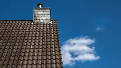 Rooftop (L I C H T B I L D E R) Tags: sky cloud rooftop himmel wolke dach dachstuhl