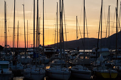 Corsian Sunrise - Sonnenaufgang am Hafen (macplatti) Tags: tageszeit morgenstimmung sonnenaufgang corse korsika mediterranian meer bluesea port hafenship sailing segelschiff segeln ferne sehnsucht calvi france fra