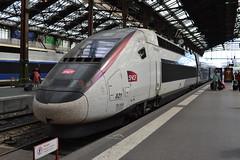 SNCF TGV Euroduplex 821 (310242) (Will Swain) Tags: paris gare de lyon 18th july 2016 train trains rail railway railways transport travel vehicle vehicles europe france french voyage capital city centre parisien ile ledefrance le socit nationale des chemins fer franais  grande vitesse sncf tgv euroduplex 821 310242