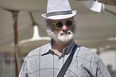 facce dal mondo (eliobuscemi) Tags: volto cappello borsalino occhiali sole espressione barba baffi