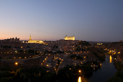 Toledo Sunset (planosdeluz) Tags: toledo mirador valle hora azul light tajo river rio luces ciudad city canon 60d tamron 1750mm large time exposure blue hour sunset atardecer