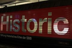 SBB Lokomotive Re 460 102 - 7 mit Taufname Lgern und Werbung fr Historic => Stiftung Historisches Erbe der SBB ( Werbelokomotive => Hersteller SLM Nr. 5669 - ABB  => Inbetriebnahme 1994 ) am Bahnhof Bern im Kanton Bern der Schweiz (chrchr_75) Tags: chriguhurnibluemailch christoph hurni schweiz suisse switzerland svizzera suissa swiss chrchr chrchr75 chrigu chriguhurni mrz 2015 bahn eisenbahn schweizer bahnen train treno zug albumzzz201503mrz albumbahnenderschweiz albumbahnenderschweiz201516 sbb cff ffs werbelokomotive re 460 lokomotive re460 albumsbbre460 schweizerische bundesbahn bundesbahnen lok albumbahnsbbre460werbelokomotiven juna zoug trainen tog tren   locomotora lokomotiv locomotief locomotiva locomotive railway rautatie chemin de fer ferrovia  spoorweg  centralstation ferroviaria