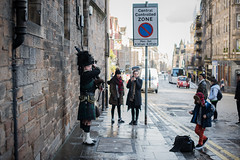 22012016_bagpipe (Chicaco11) Tags: chicaco11 travelinuk travel 2016 winter january scotland edinburgh uk nikkor 50mm nikon d750 bagpipe townscape
