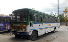 MSRTC pushback Hirkani Resting at Shirdi bus Stand Route -- Aheri -- Shirdi (gouravshinde94) Tags: msrtc bus parivartan tata sangli shirdi hirkani aheri semiluxury