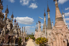 722-Mya-KAKKU-042.jpg (stefan m. prager) Tags: burma buddhism myanmar shan birma sehenswrdigkeit kakku buddhismus nikond810 pagodenfeldkakku
