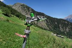 Mund VS - Sprinkler (Kecko) Tags: 2016 kecko switzerland swiss suisse svizzera schweiz wallis valais vs mund brig naters wasser sprinkler water irrigation bewsserung europe swissphoto geotagged geo:lon=7938880 geo:lat=46320770