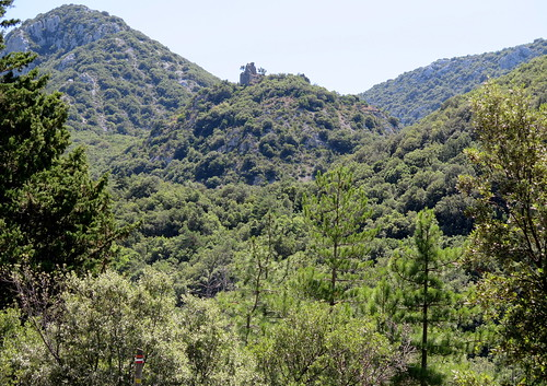 Château de Saint-Pierre as seen on exiting Gorges de Saint-Jaume