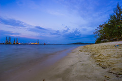 Punggol Beach (MEphotog) Tags: beach zeiss landscapes singapore sony punggol end a7 1635mm