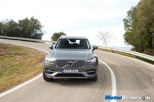 2015-Volvo-XC90-7