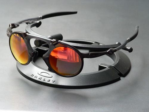 9bd6031531 Oakley Madman™ Dark Carbon w Ruby Iridium Polarized