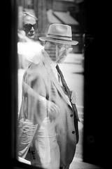 The Embrace (RoryO'Bryen) Tags: copyrightroryobryen rangefinder leica leicamp 35mm summiluxm f14 kodak trix london street streets blackandwhite biancoenero noiretblanc iso400 film scanned londres roryobryen