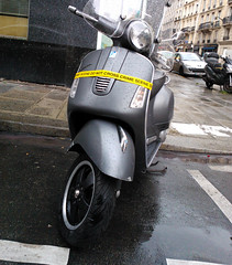 Paris 2015 (Hanoi1933) Tags: paris france vespa scooter moto rue parigi motocycle 2015 巴黎 パリ parisstreetart париж pariswallart