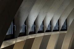Lignes d'ouverture (Isabelle Gallay) Tags: architecture urban urbain ville city lines lignes windows fentres aquitaine gironde bordeaux citduvin fuji fujifilm fujix30 shadows ombres