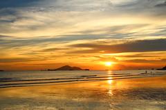 IMG_9196 -  Lung Kwu Tan (Mak_Ho) Tags:  lungkwutan  tuenmun  hongkong  sunset  sunsetclouds  cloud  magichour  sea  wave  tides  scenicphoto  scenicsites  landscape  photography  canon 700d hongkonglandscape