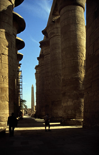 """Ägypten 1999 (313) Karnak-Tempel: Großer Säulensaal des Tempels des Amun-Re • <a style=""""font-size:0.8em;"""" href=""""http://www.flickr.com/photos/69570948@N04/28604539060/"""" target=""""_blank"""">View on Flickr</a>"""